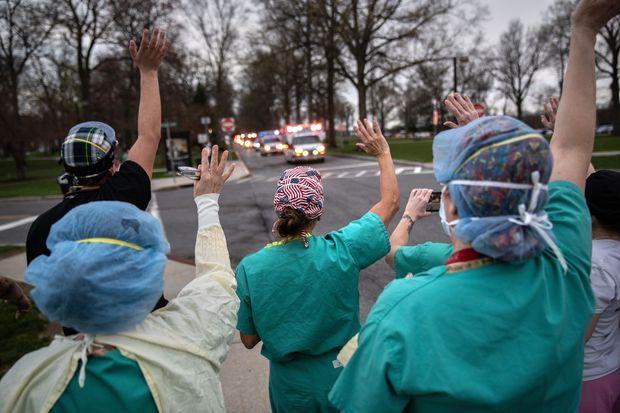 Коронавирус лекари помощ